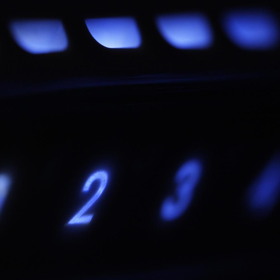 Un router inalámbrico iluminado.