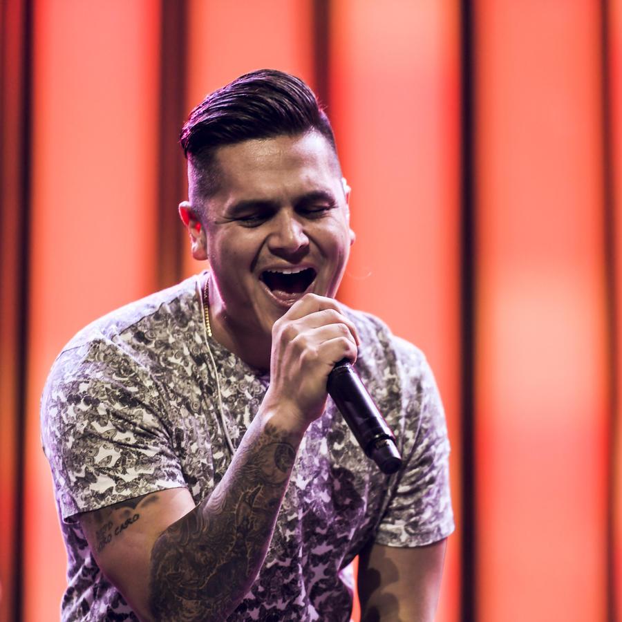 Regulo Caro ensayos de Premios Tu Mundo 2016