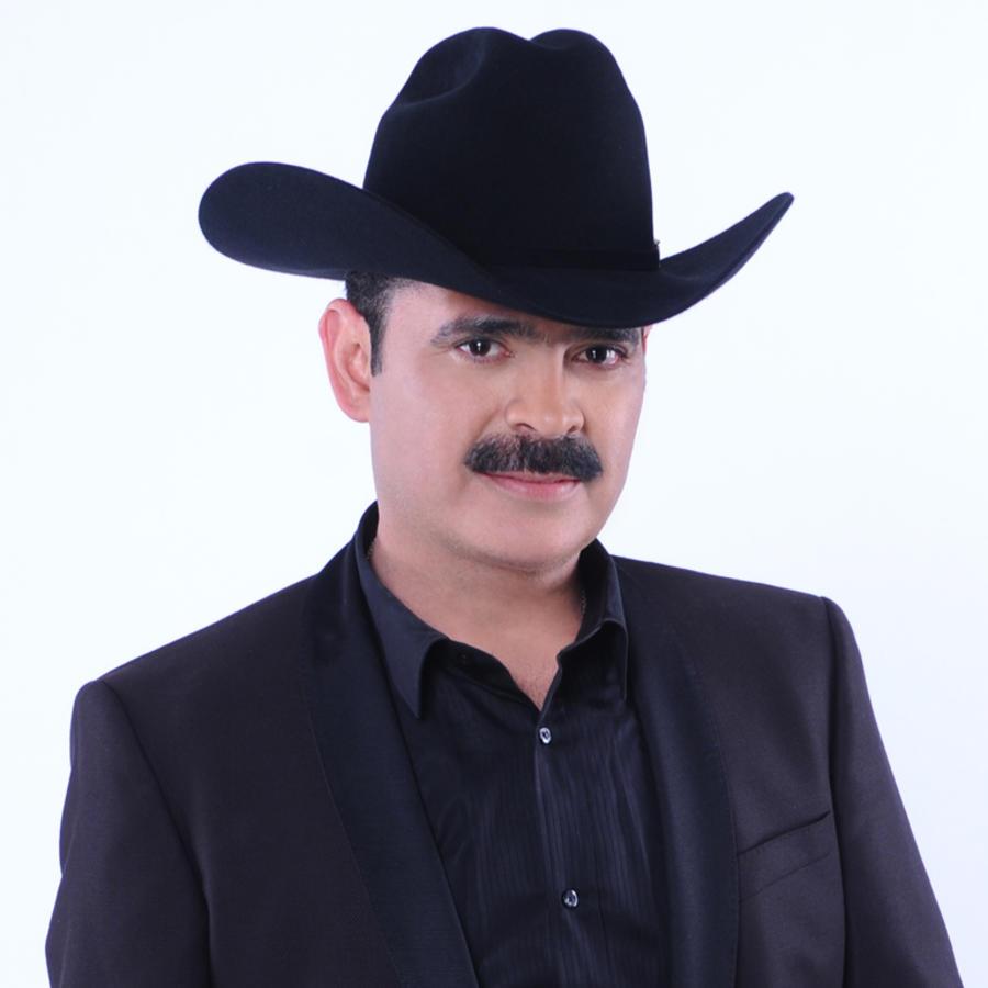 """Mario Quintero, vocalista de los Tucanes de Tijuana, habla después del """"botellazo"""""""