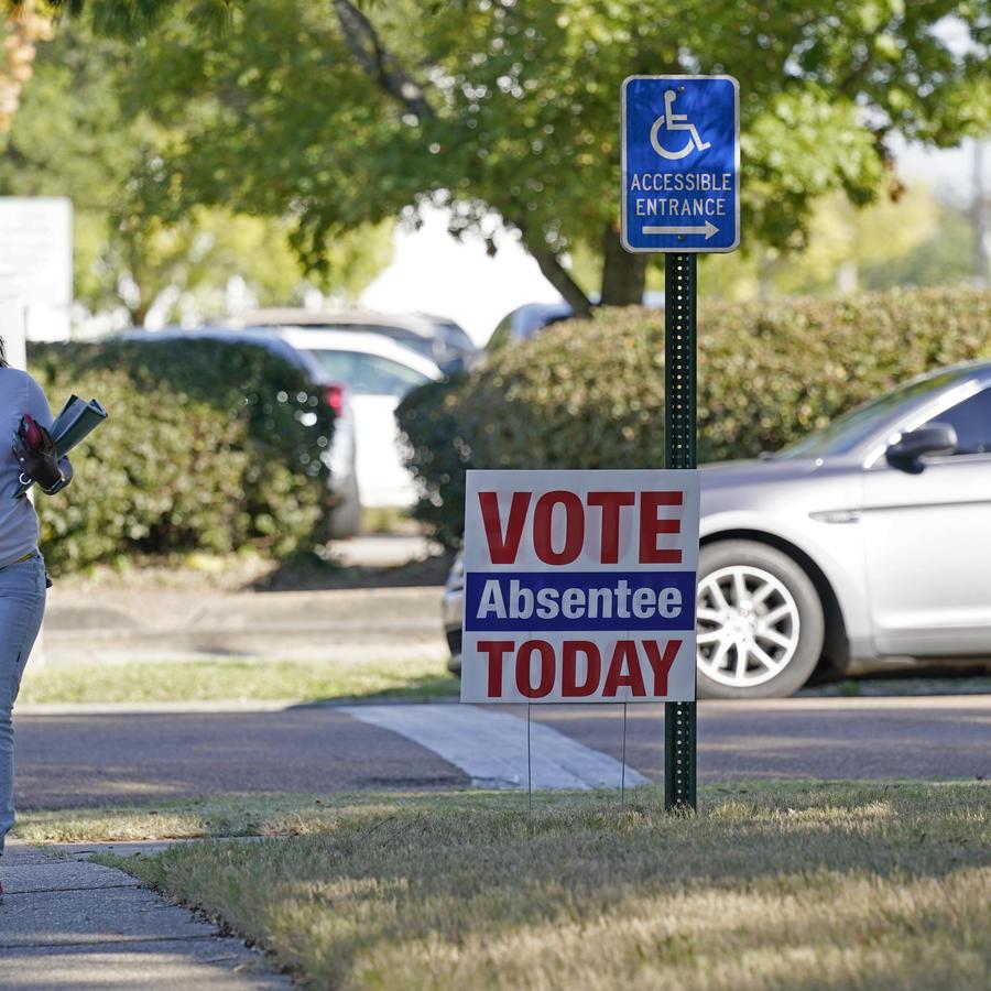 Voto en ausencia en el condado de Hinds en Jackson, Mississippi.