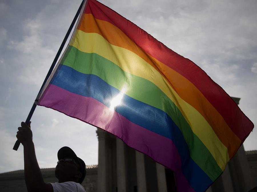bandera gay parlamento