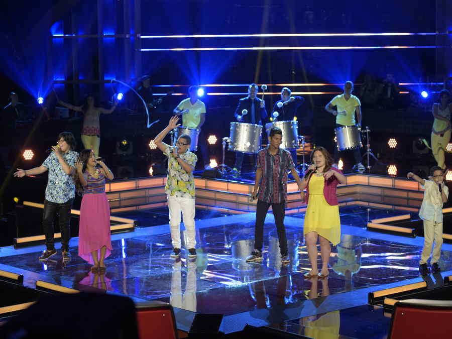 En pleno ensayo los seis semifinalista de La Voz Kids