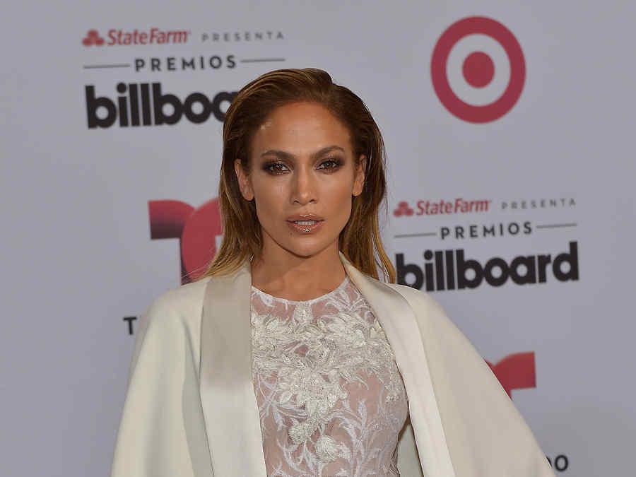 Jennifer López  en la alfombra de los Premios Billboard 2015