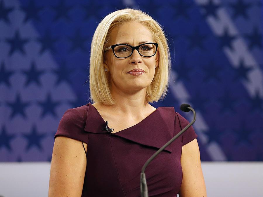 La demócrata Kyrsten Sinema, reprentante de Arizona, durante una entrevista en Phoenix.