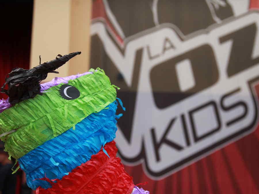 Con pinata, comida y mucha diversion se celebra la gran final de La Voz Kids