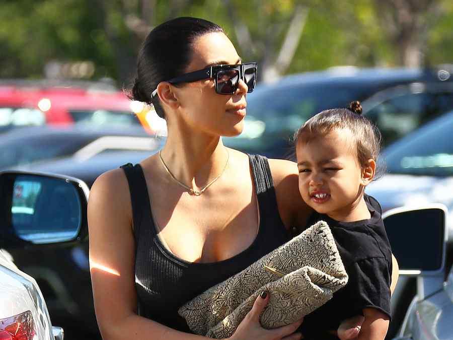Kim Kardashian con su hija North