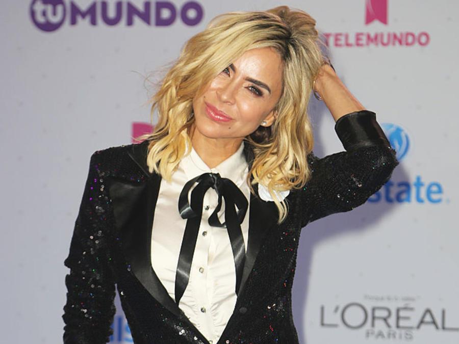 Aylín Mujica -  Premios Tu Mundo -2016