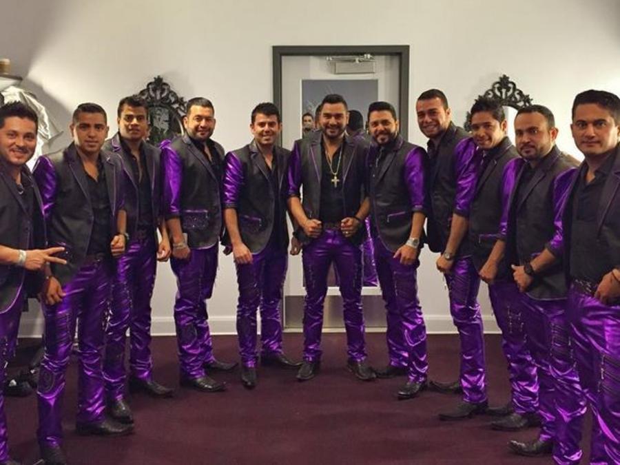 Banda MS durante su presentacion en Premios Tu Mundo 2015