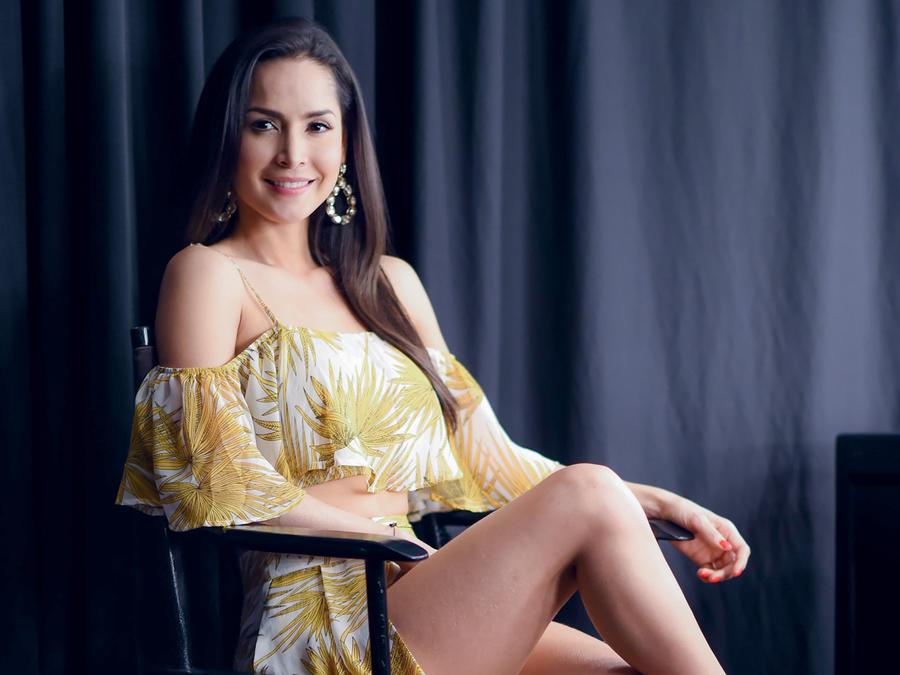 Carmen Villalobos tras bambalinas, Premios Tu Mundo 2016