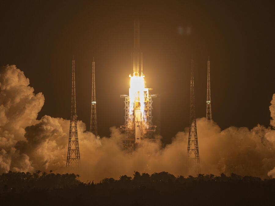 Un cohete Long March-5.