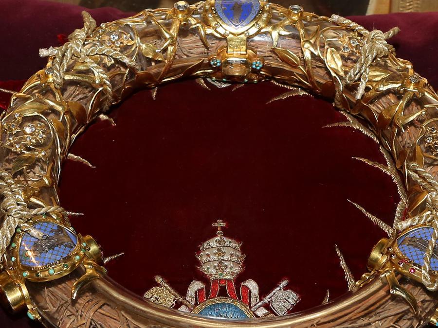Reliquia de Corona de Espinas en la Catedral de Notre Dame en París