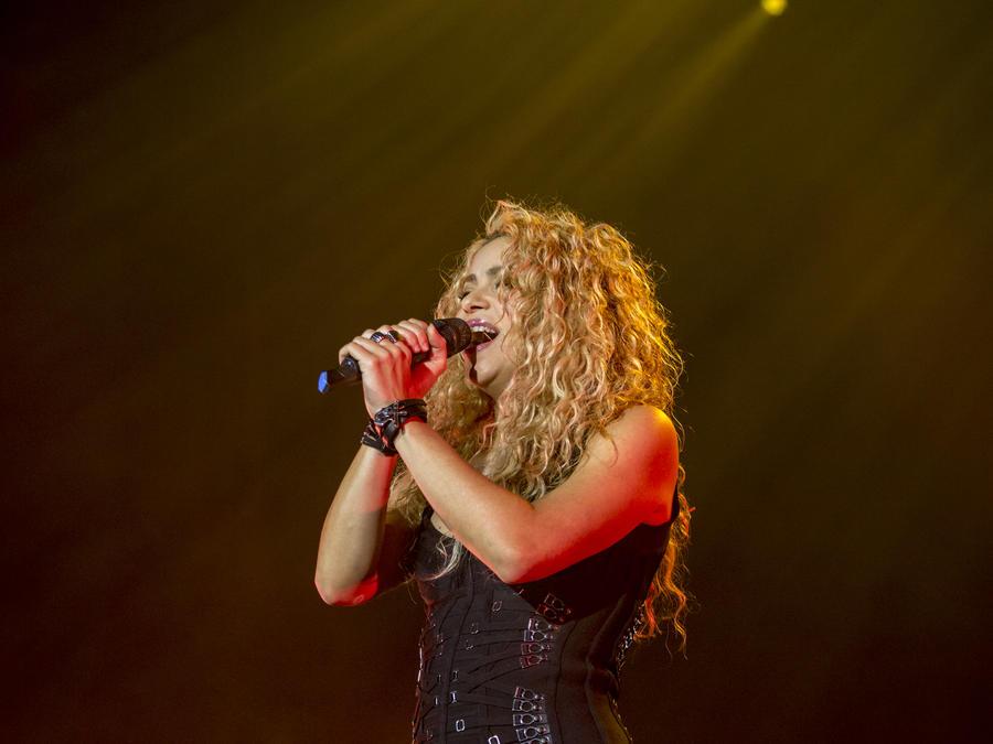 Shakira - Concierto de Mana Perform en Barcelona