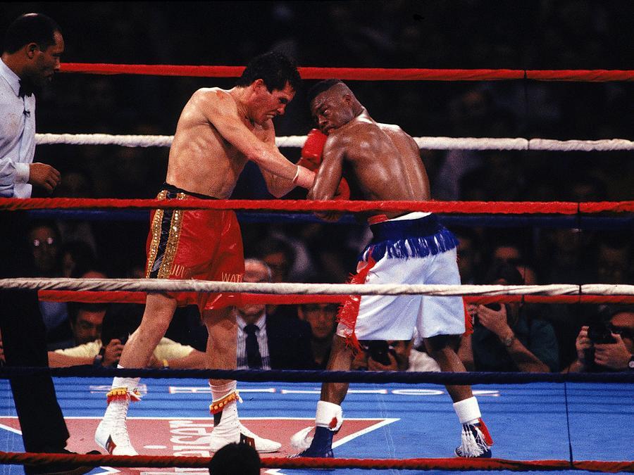 Julio César Chávez contra Maldrick Taylor el 17 de marzo de 1990.
