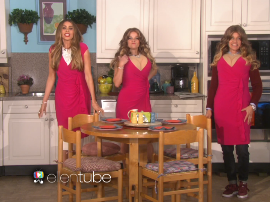 "Sofía Vergara, Ellen DeGeneres y Reese Whitherspoon en el sketch ""The Three Sofias"""