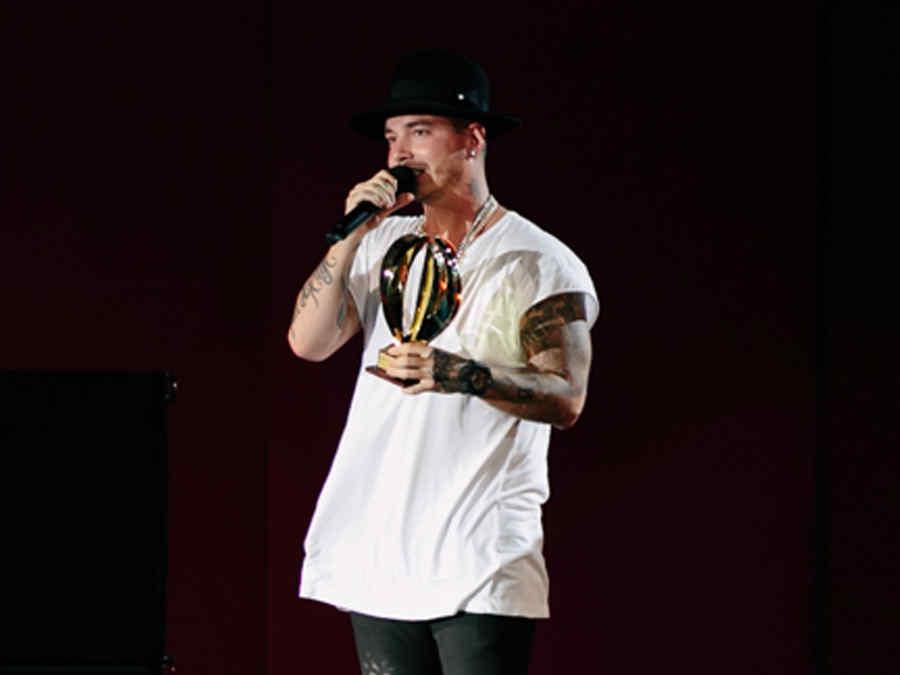 J Balvin en Heat Latin Music Awards 2015