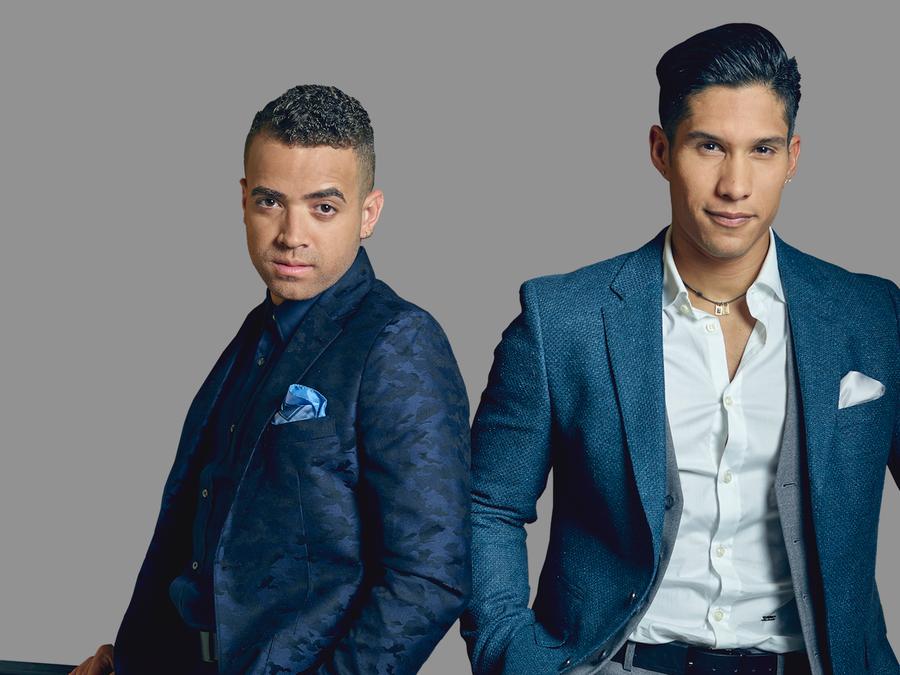 Foto promocional de Chino y Nacho de Radio Universo