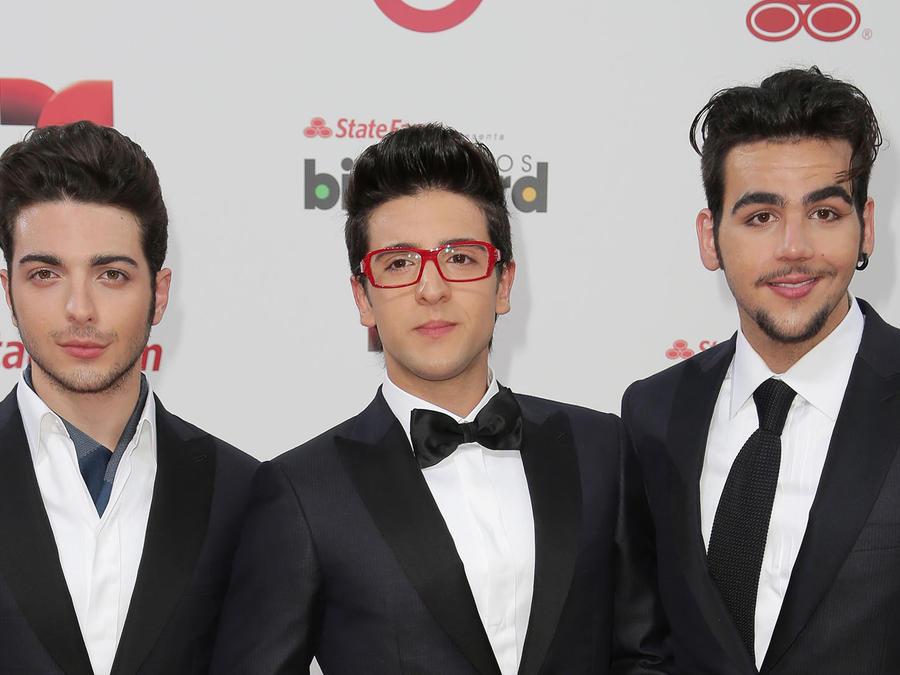 Il Volo en la alfombra de Premios Billboard Latin 2014