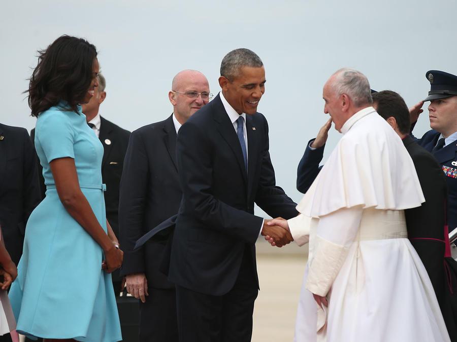 papa saluda a obama
