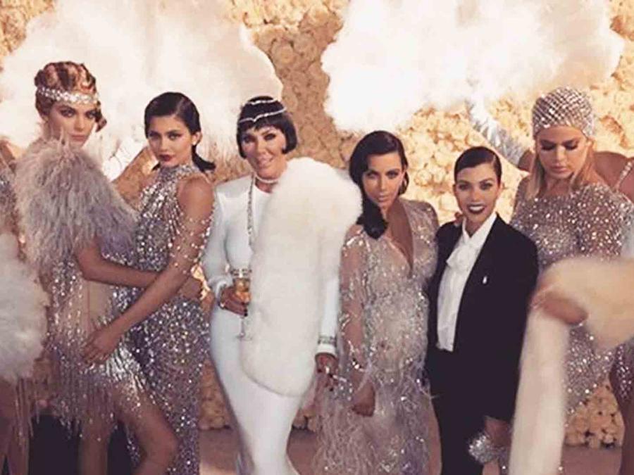 Kris Jenner, Kim Kardashian, Kylie Jenner, Kendall Jenner, Kourtney Kardashian y Khloé Kardashian en el cumpleaños de Kris Jenner