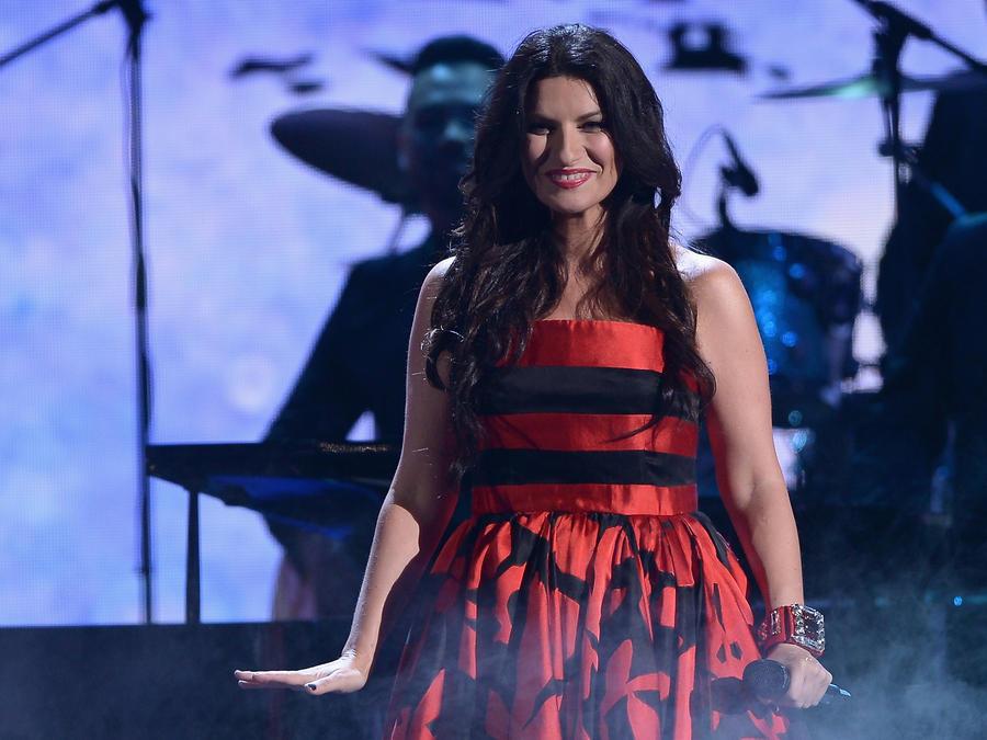 Laura Pausini en un evento musical en 2015