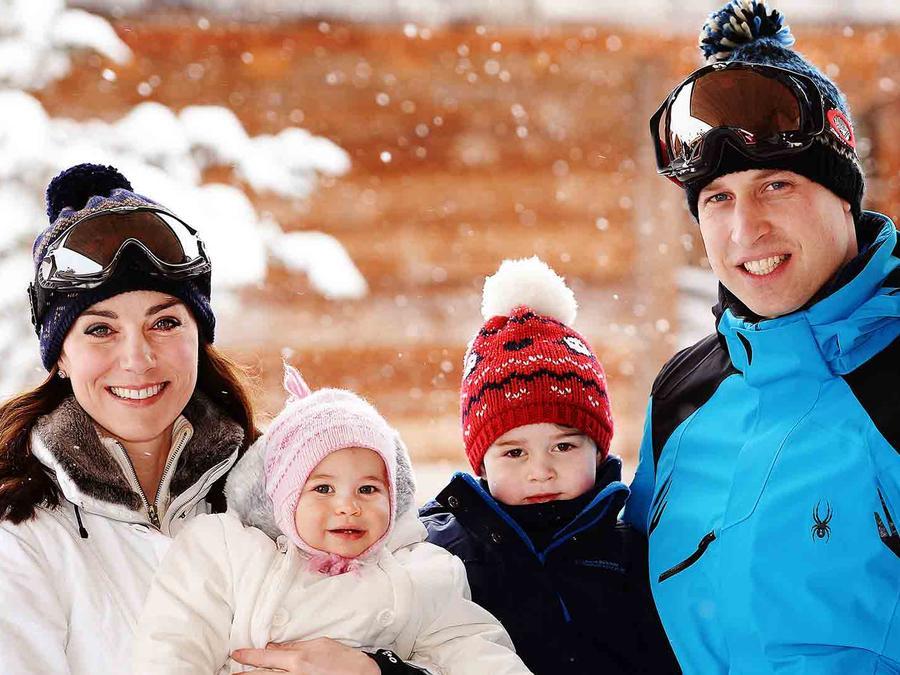 Kate Middleton, príncipe William, princesa Charlotte y príncipe George en los Alpes