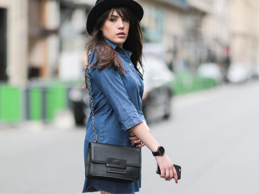 Street Style con denim en París