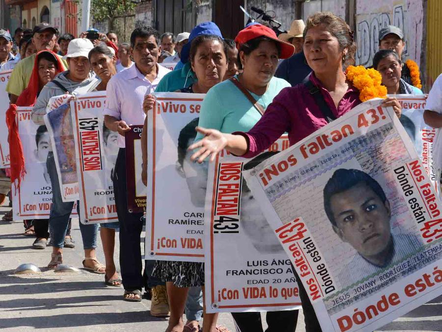 Familiares estudiantes Ayotzinapa