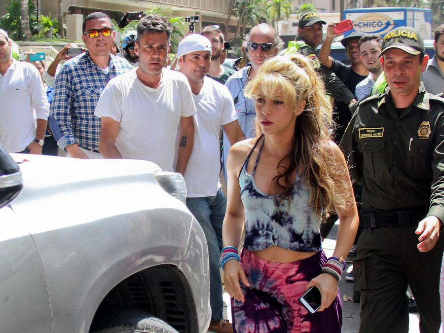 Shakira en Colombia grabando su video