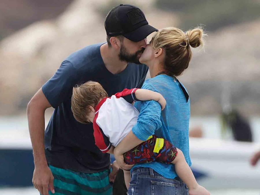 Shakira y Piqué disfrutan de sus vacaciones por España