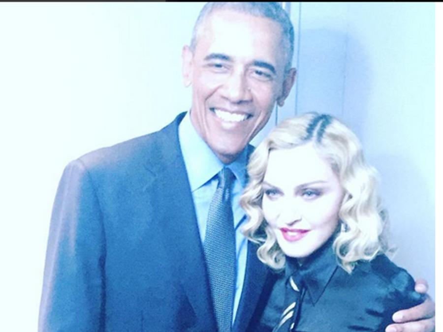 Presidente Barack Obama junto a Madonna