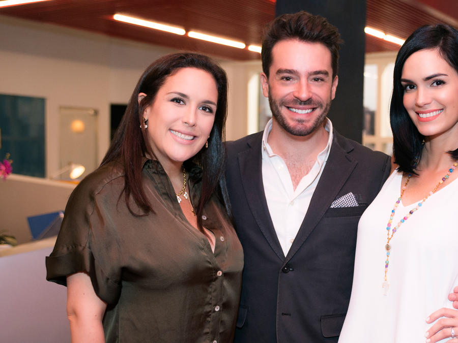 Angélica Vale, Juan Pablo Espinosa y Scarlet Ortiz
