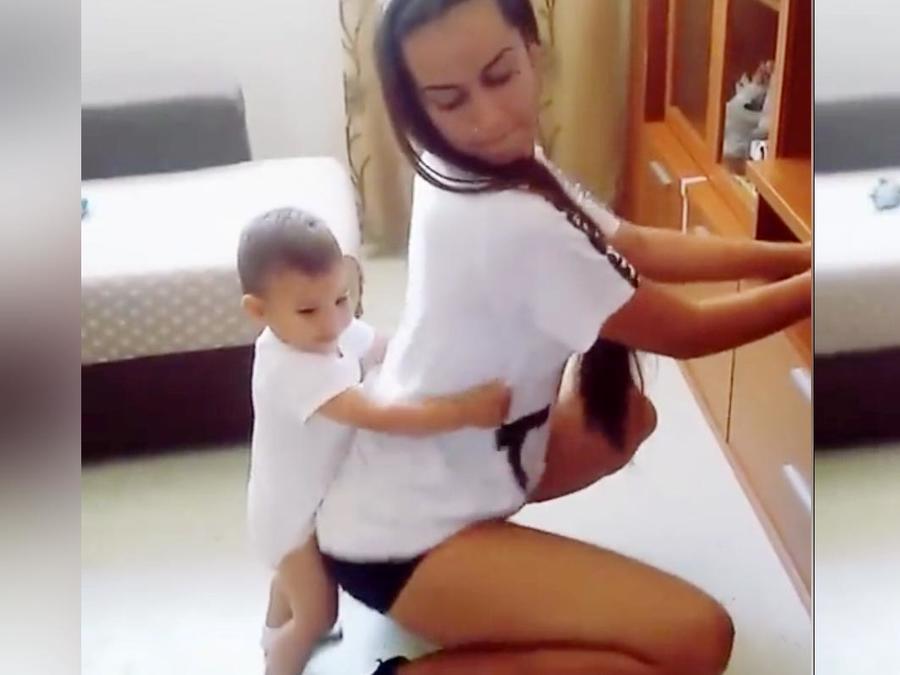 Twerking con niño por Facebook