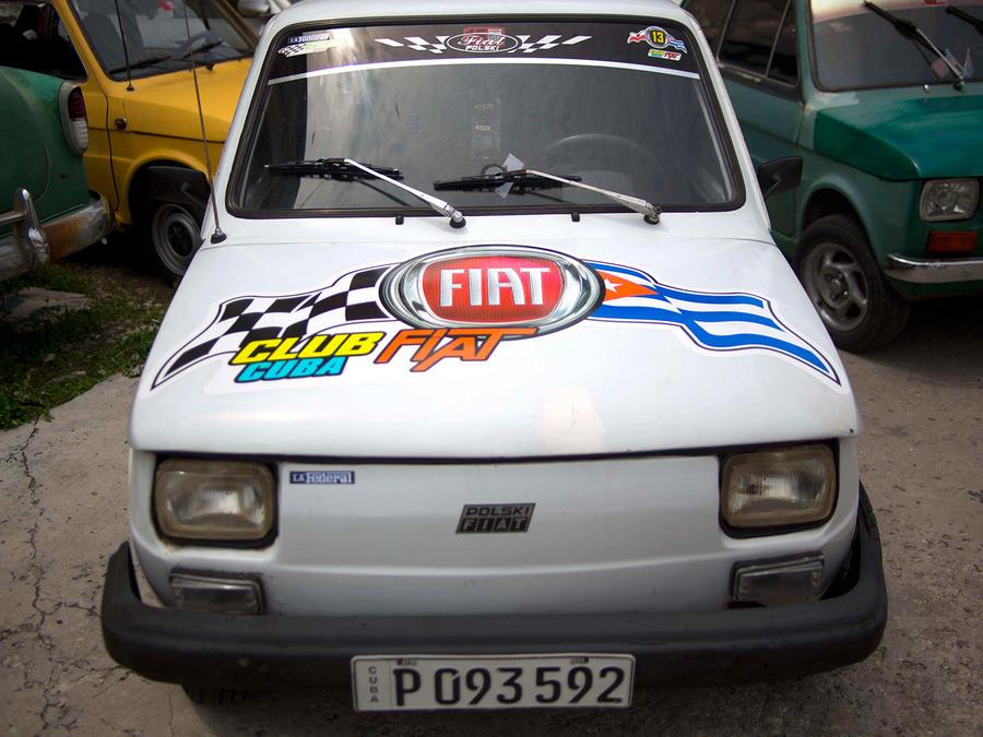 Un Fiat Polski 126p, del Club Fiat Cuba, en un garaje en La Habana, Cuba, el 10 de agosto de 2016. El humilde auto polaco de dos cilindros y puerta trasera, el Fiat 126p fue olvidado por la mayoría de la gente después de la caída del muro de Berlín.