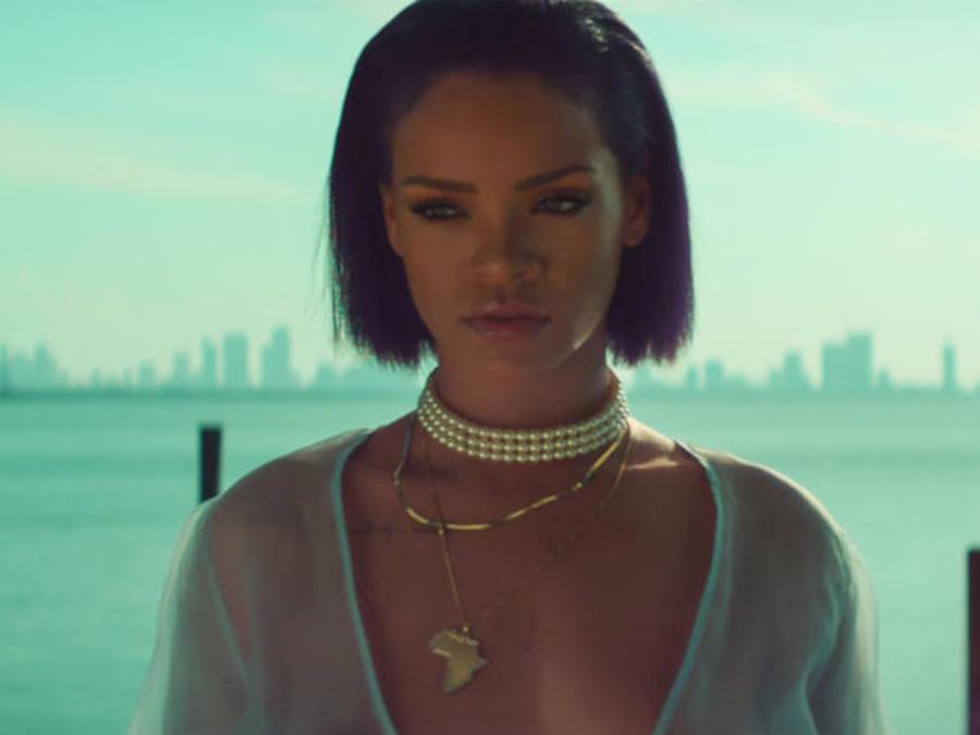Rihanna en su video Needed Me