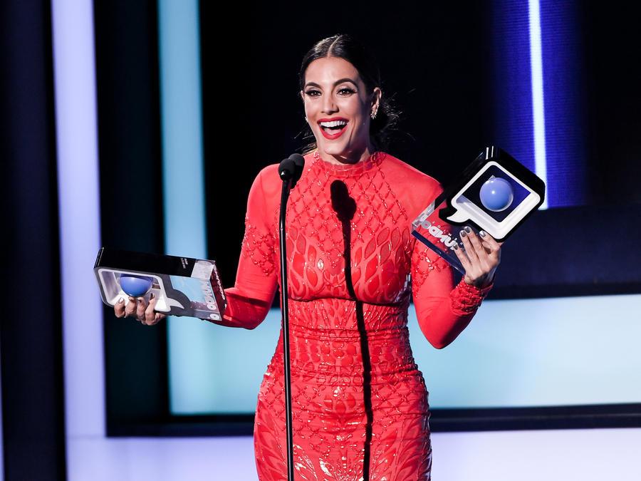 Gaby Espino gana dos Premios Tu Mundo 2016
