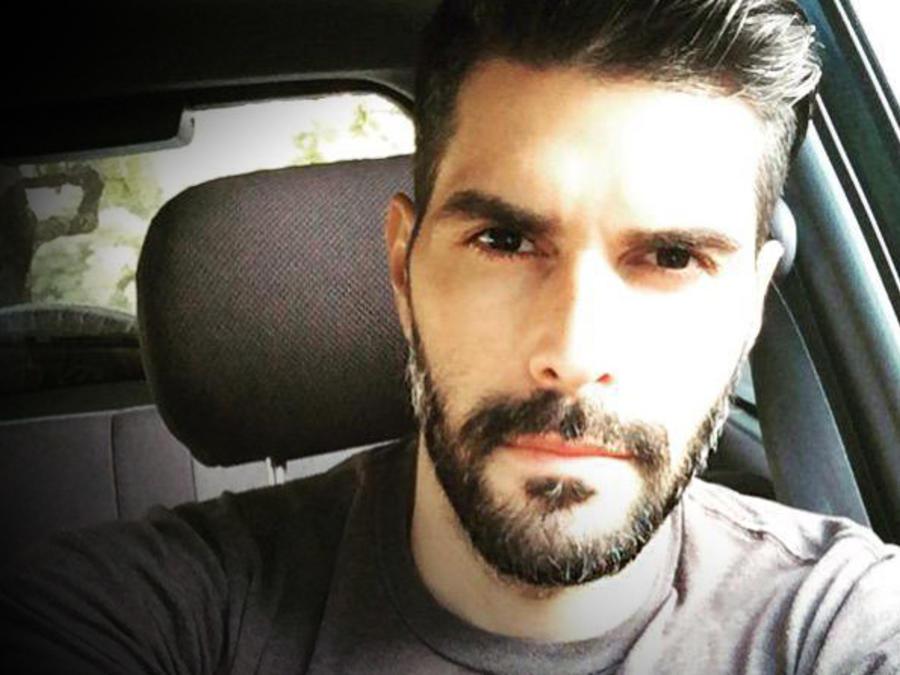 Juan Pablo Llano en el carro