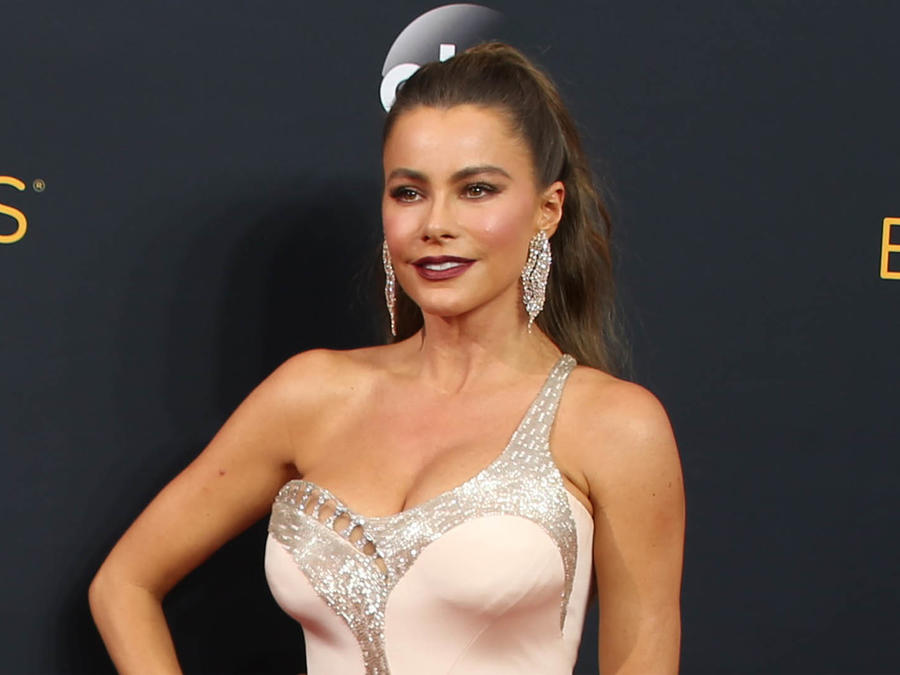 Sofía Vergara en la alfombra de premios Emmy 2016