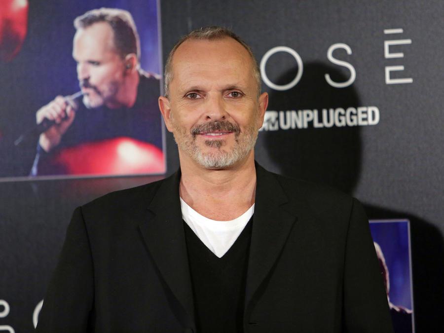 Miguel Bose en la presentación de MTV Unplugged