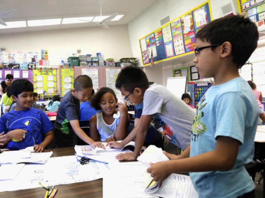 Estudiantes de primaria en California