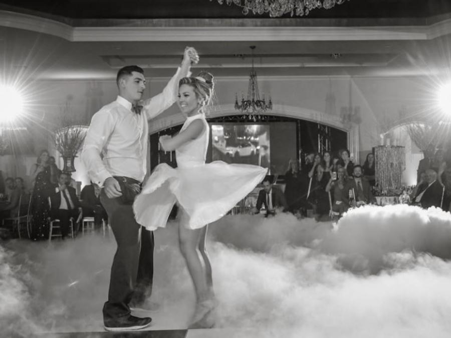 Richie Guarini y su esposa Lindsay Pergola en la coreografía de Bailando suave