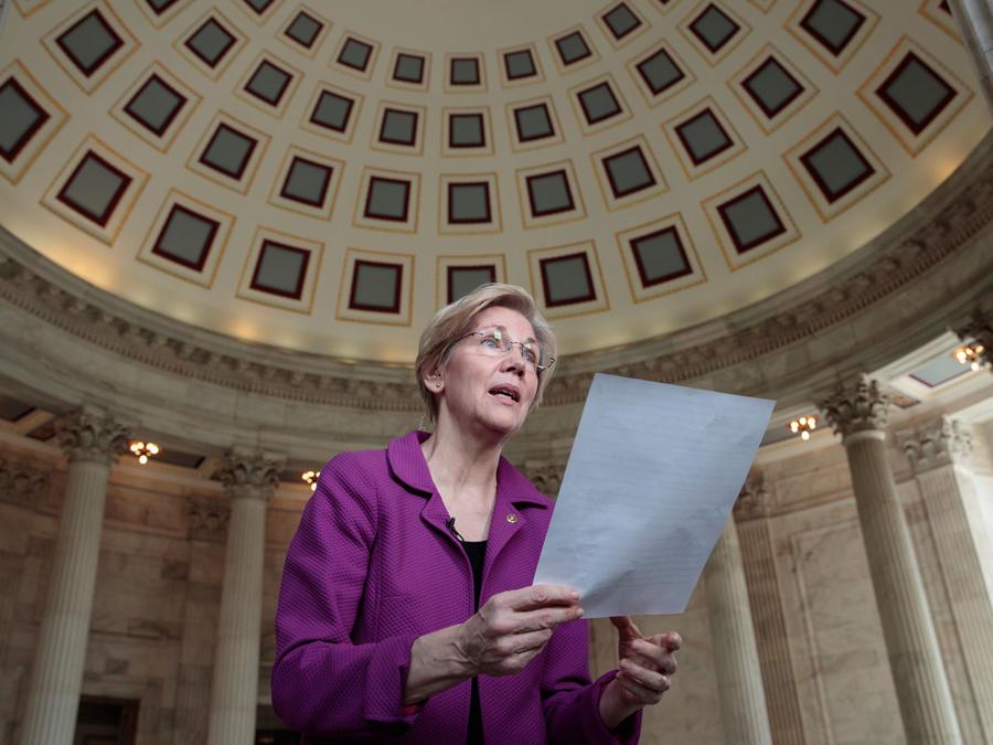 La senadora demócrata Elizabeth Warren de Massachusetts