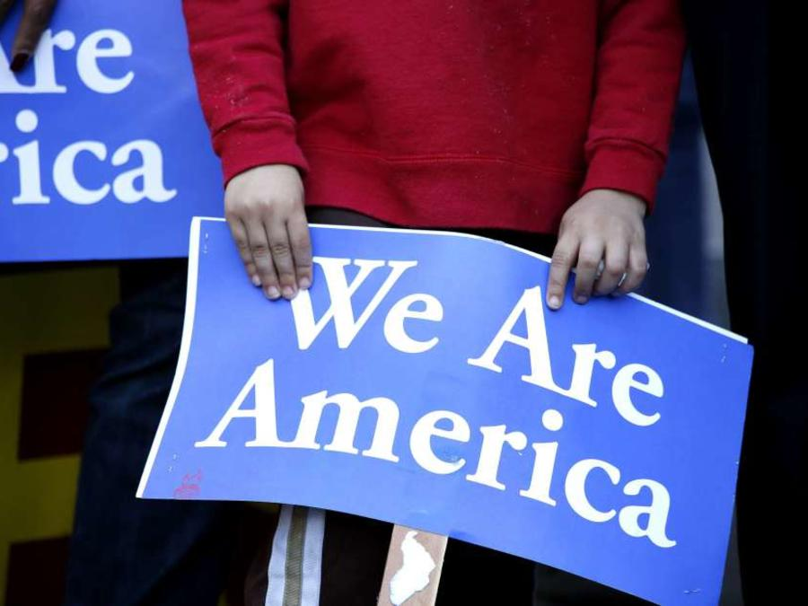Pancarta de apoyo a indocumentados en EEUU
