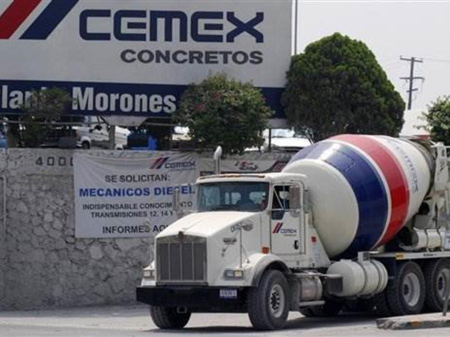 Camión de cementera mexicana Cemex