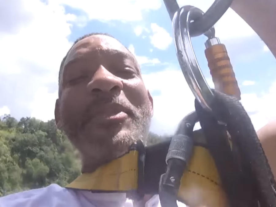 Will Smith salta del bungee