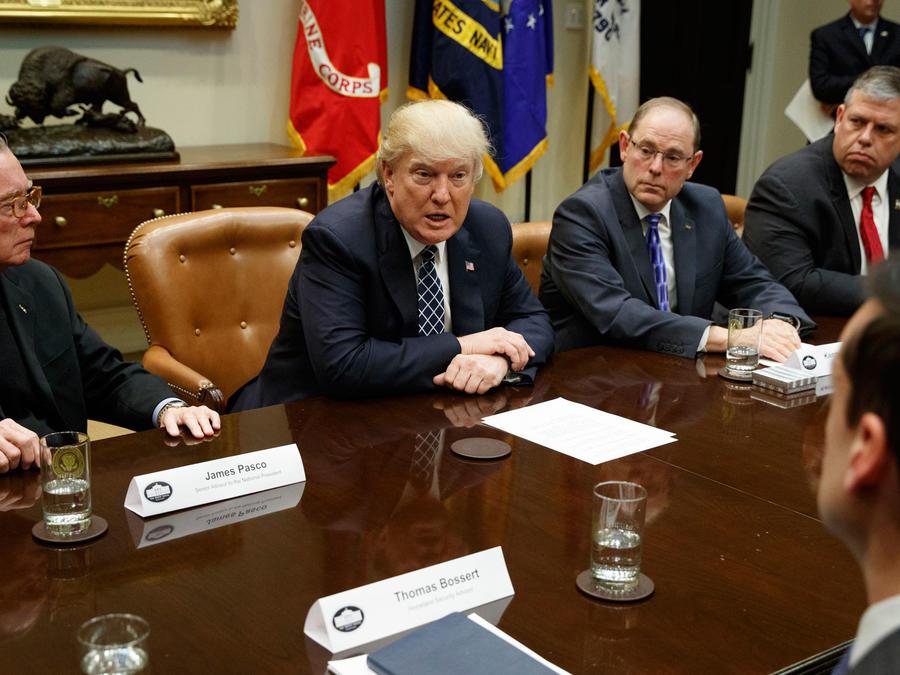 El presidente Trump reunido con la Orden Fraternal de Policía