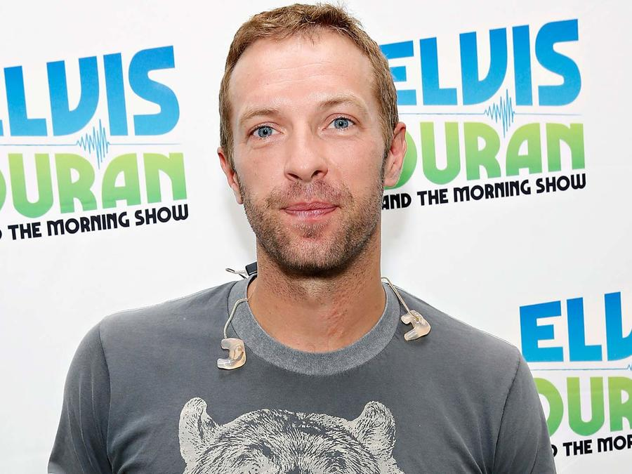 Chris Martin sonriendo