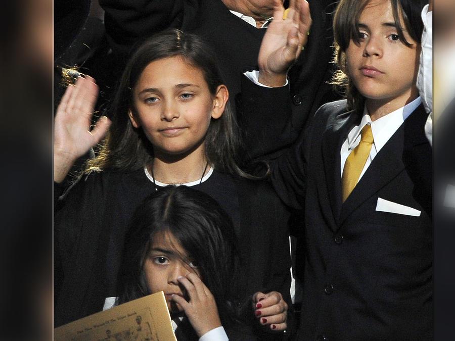 Hijos de Michael Jackson en el 2009