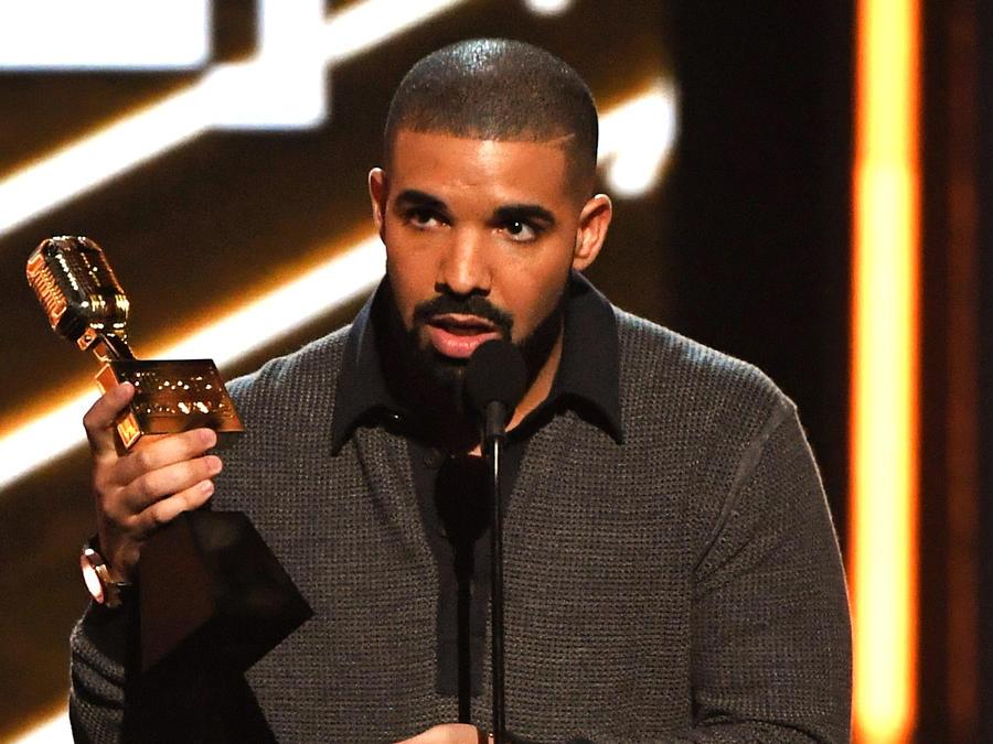 Drake en los 2017 Billboard Music Awards