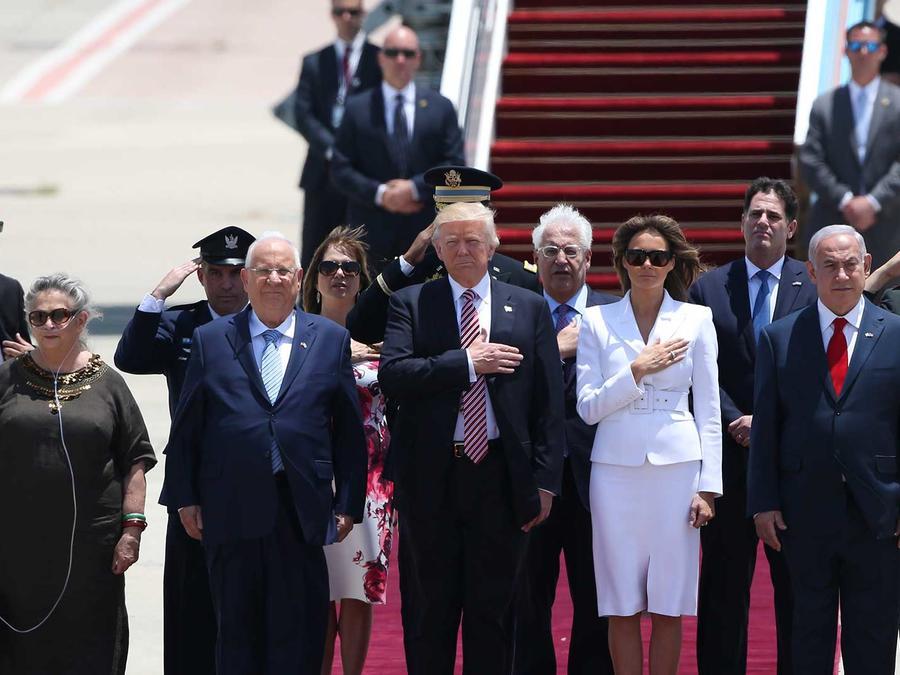 El presidente Trump y la primera dama en la ceremonia de recepción encabezada por el presidente de Israel, el primer ministro Benjamin Netanyahu y sus esposas el Lunes 22 de mayo del 2017
