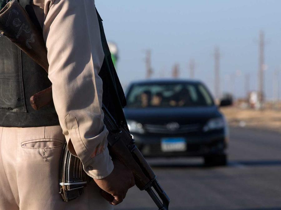 Policía en Minya, Egipto donde hombres armados mataron a docenas de Cristianos Coptos